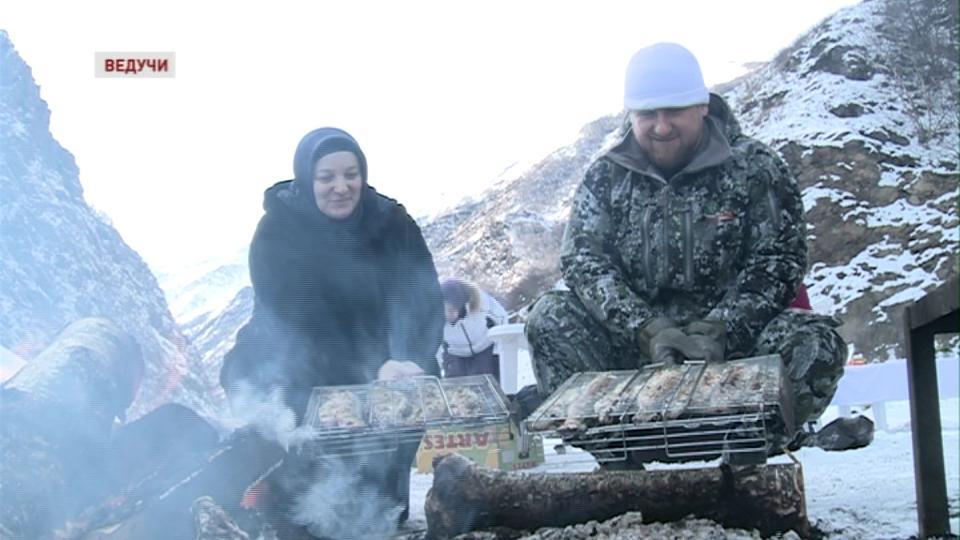 Новоселье в горах Хуландой. Кто «виновник» сего торжества?