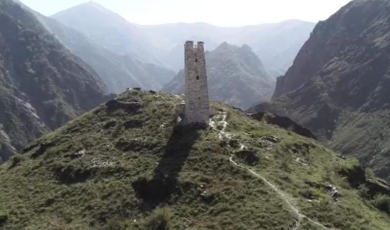 В Чечне восстанавливают исторические памятники