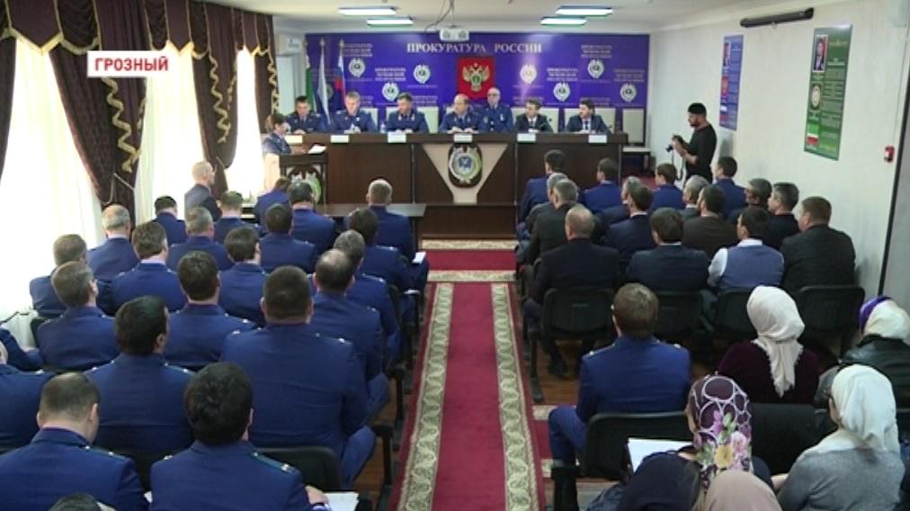 Профилактику детской смертности обсудили в прокуратуре Чечни