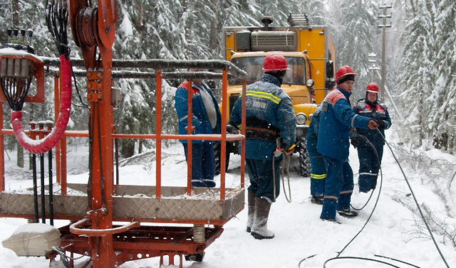 Энергетики ликвидируют последствия минувшего снегопада