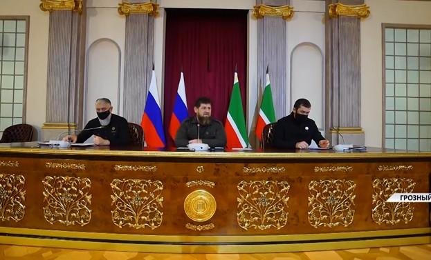 Рамзан Кадыров провел заседание оперативного штаба по снижению аварийности на дорогах