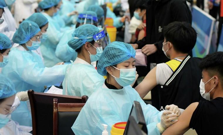 1,45 миллиарда прививок от COVID-19 сделали жители Китая