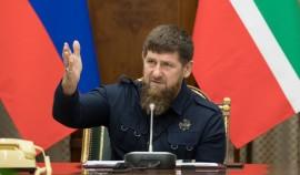 Рамзан Кадыров поручил усилить контроль над соблюдением масочного режима и социальной дистанции