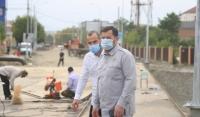 Иса Хаджимурадов проверил ход реконструкции мостов через реку Сунжа