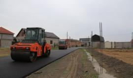 В Грозном в рамках нацпроекта ремонтируется улица Биологическая, на которой открыли новую школу