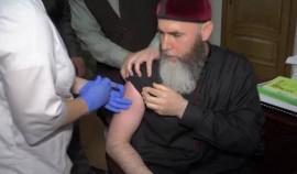 Муфтий ЧР сделал прививку от коронавируса