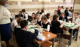Президент РФ заявил о необходимости допустить родителей к контролю за качеством питания в школах