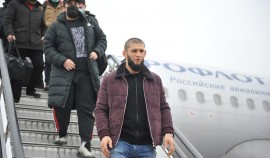 Боец UFC Хамзат Чимаев  прилетел в Грозный