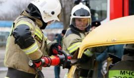 В Грозном прошел финал соревнований по проведению аварийно-спасательных работ при ДТП
