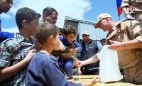 Российские военные доставили гуманитарную помощь воспитанникам детдома в Сирии