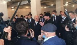Михаил Мишустин и Рамзан Кадыров посетили место строительства спецшколы для детей с нарушением интеллекта