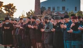 Глава ЧР собрал на ифтар представителей команды Кадырова