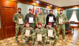 В Росгвардии Чеченской Республики наградили обладателей краповых беретов