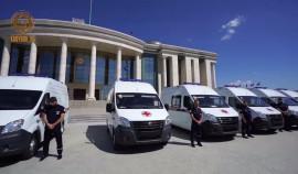 Глава ЧР передал 18 карет скорой помощи республиканской станции скорой медицинской помощи