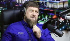 Рамзан Кадыров поздравил сотрудников радиокомпаний ЧР с профессиональным праздником