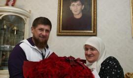 Рамзан Кадыров поздравил соотечественниц с Днем чеченской женщины