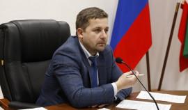 Пенсионерам на этой неделе перечислят на карты по 10 тысяч рублей
