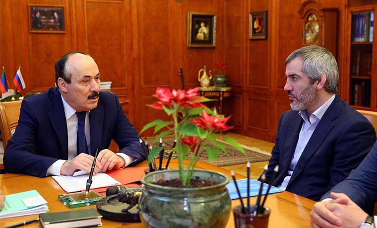Рамазан Абдулатипов встретился с представителями Общественного Совета чеченцев Дагестана