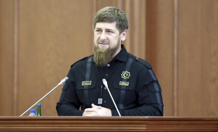 Рамзан Кадыров поздравил парламентариев с профессиональным праздником