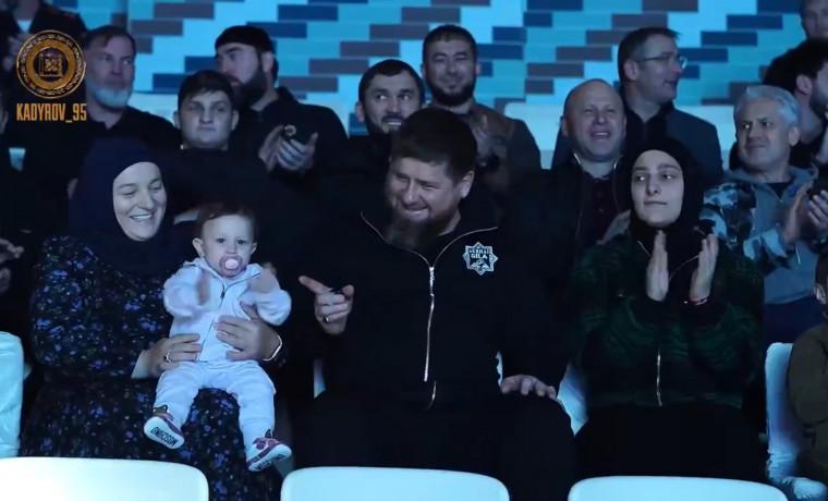 Рамзан Кадыров вместе с семьёй посетил грозненский дельфинарий