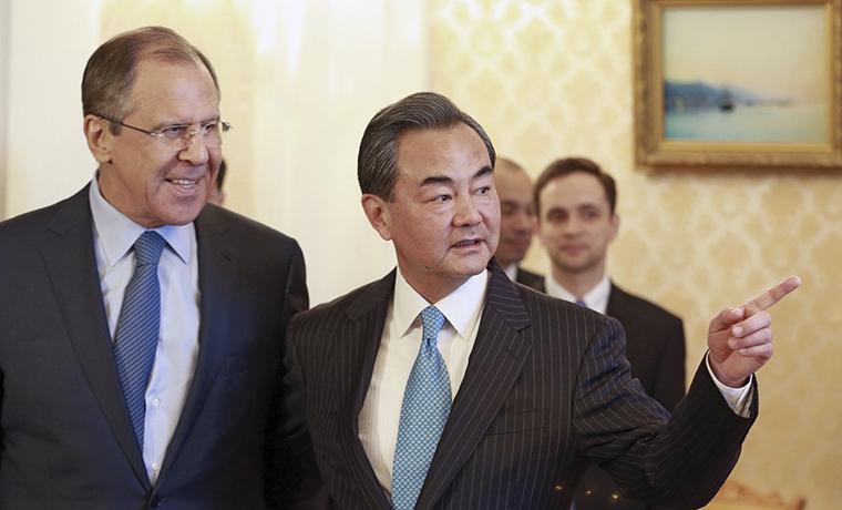 Глава МИД Китая: Пекин полностью уверен в отношениях с Россией