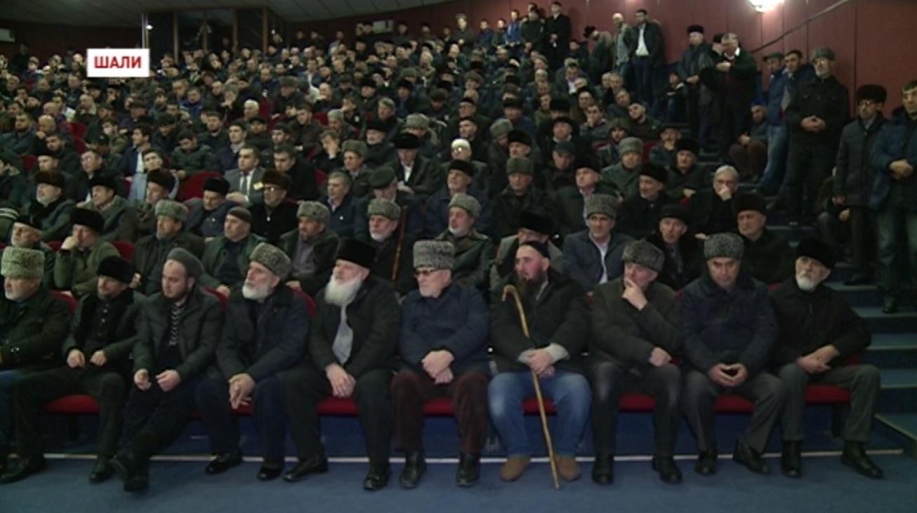 Шалинцы единогласно приняли решение – выселить родственников террористов из населенного пункта