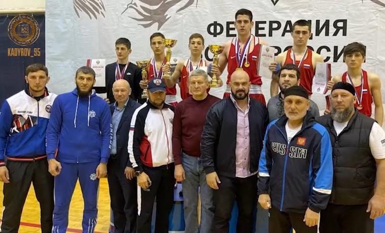 Рамзан Кадыров поздравил чеченских боксеров с победой на Первенстве России