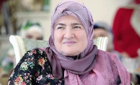 Аймани Кадыровой передали подарки от организации «Матери Сребреницы»