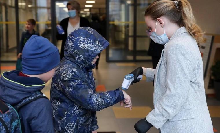 Санитарно-эпидемиологические правила в работе школ и детсадов могут продлить до января 2022 года