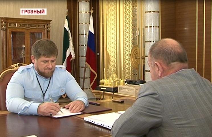 Глава ЧР на встрече с А. Тумхаджиевым обратил внимание на качество дорожной сети региона