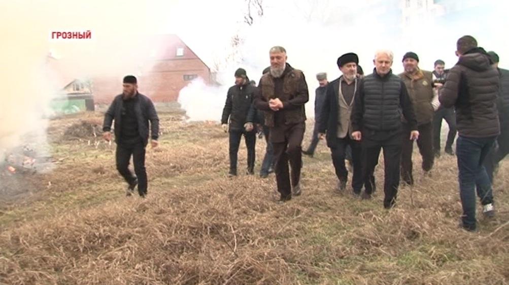 Сотрудники АО «Чеченэнерго» приняли участие в акции «Сделаем столицу краше»
