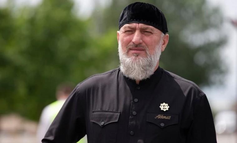 Адам Делимханов призвал граждан дистанцироваться от любых протестных движений