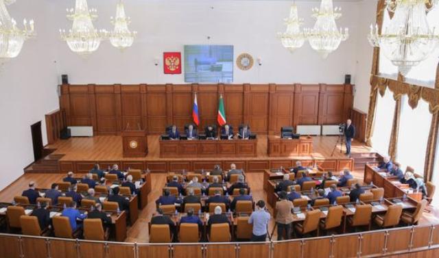 Свыше 900 законов принял Парламент ЧР за 14 лет своего существования