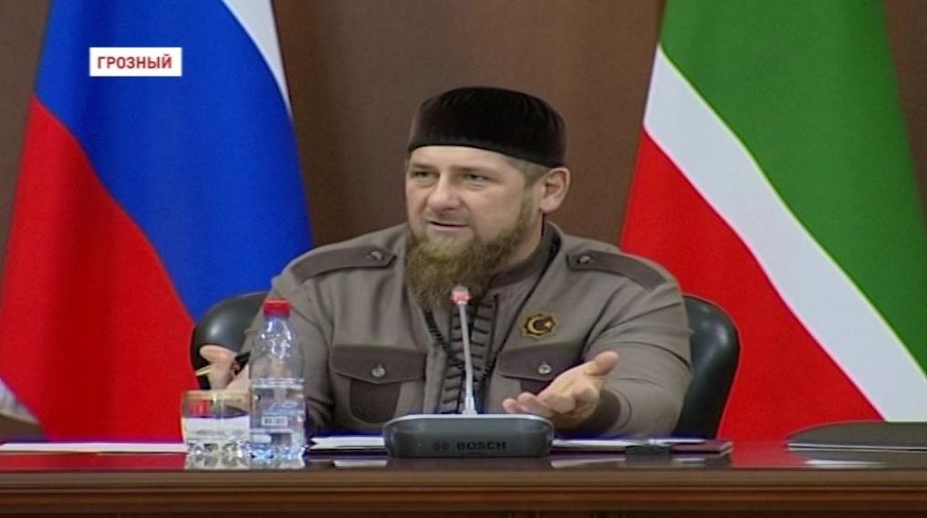 Глава Чечни провел совещание по итогам проверки медучреждений республики
