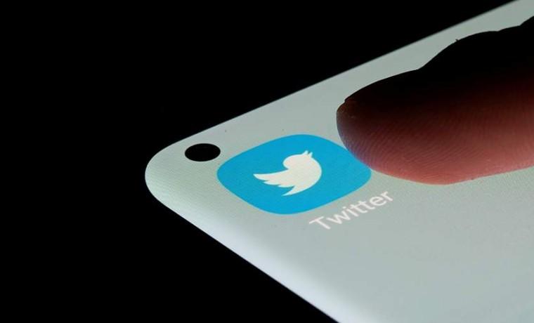 Twitter тестирует кнопку отрицательной оценки комментариев к публикациям