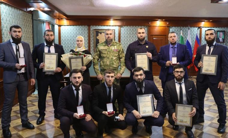 В Управлении Росгвардии по ЧР наградили активистов Республиканского проекта «Турпалхой»