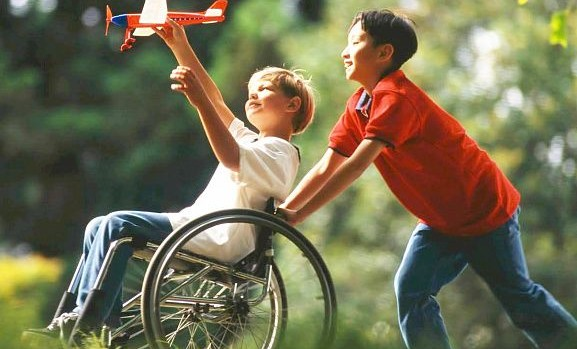 Детей с инвалидностью будут обслуживать вне очереди