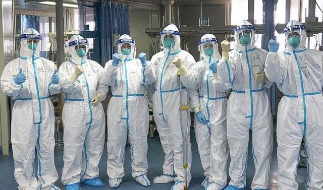 Студенты Северо-Осетинкой медакадемии из ЧР помогают врачам спасать больных  COVID-19