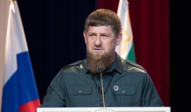 Рамзан Кадыров поздравил россиян с Днем Героев Отечества