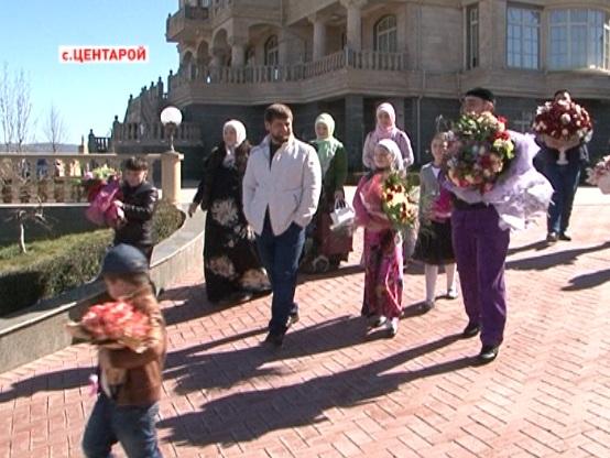 Глава Чечни  поздравил с праздником Аймани Кадырову