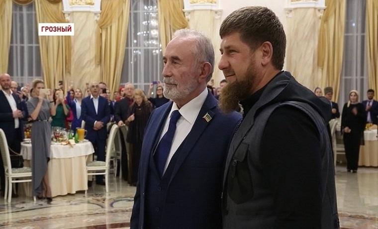 Известный политик Асламбек Аслаханов отметил 75 день рождения.