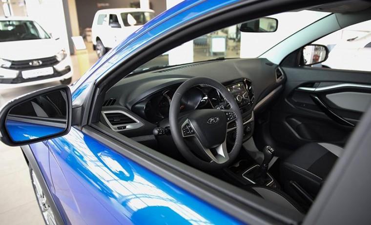 Средняя цена авто в России достигла 1,8 млн рублей