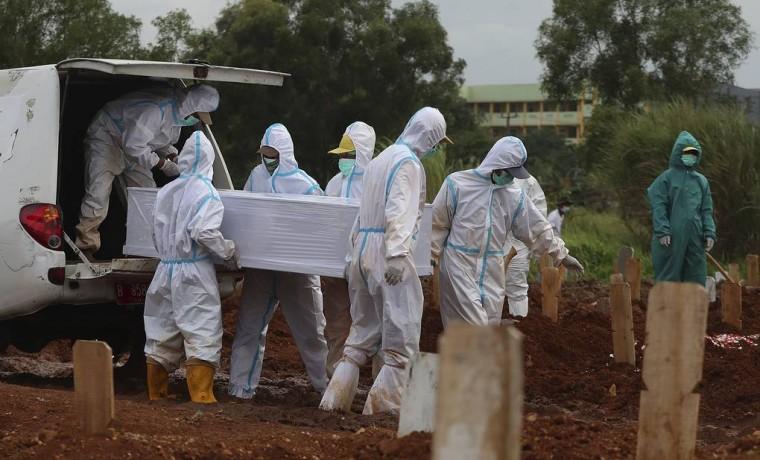 Количество умерших из-за коронавируса в мире превысило 2,5 млн
