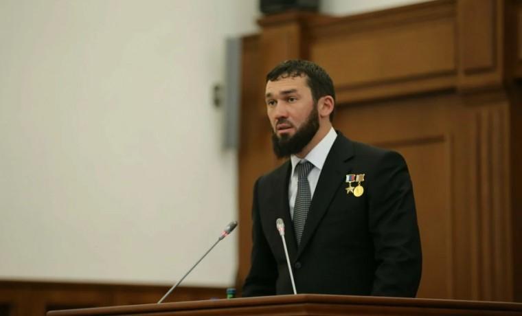 Магомед Даудов поздравил партию «Единая Россия» с 19-летием со дня основания