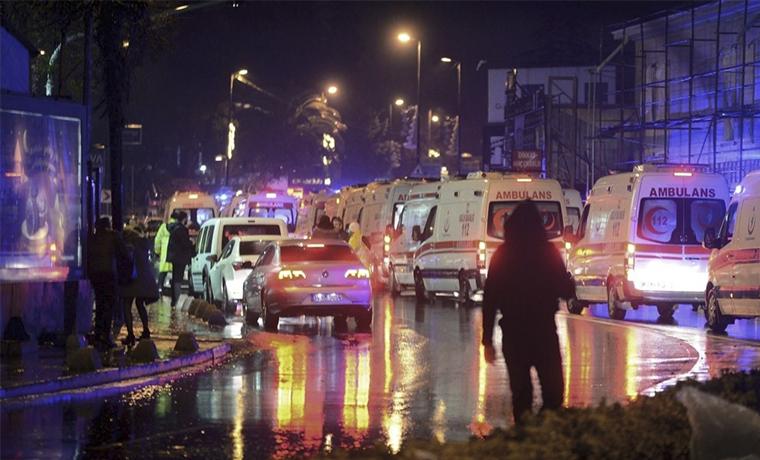 При теракте в ночном клубе в Стамбуле погибли 39 человек