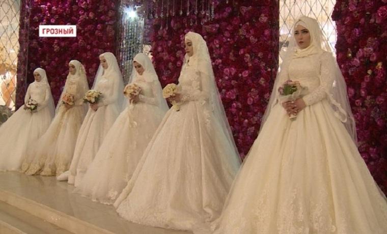 Благодаря РОФ имени Кадырова в Международный женский день свои свадьбы отпраздновали 6 пар