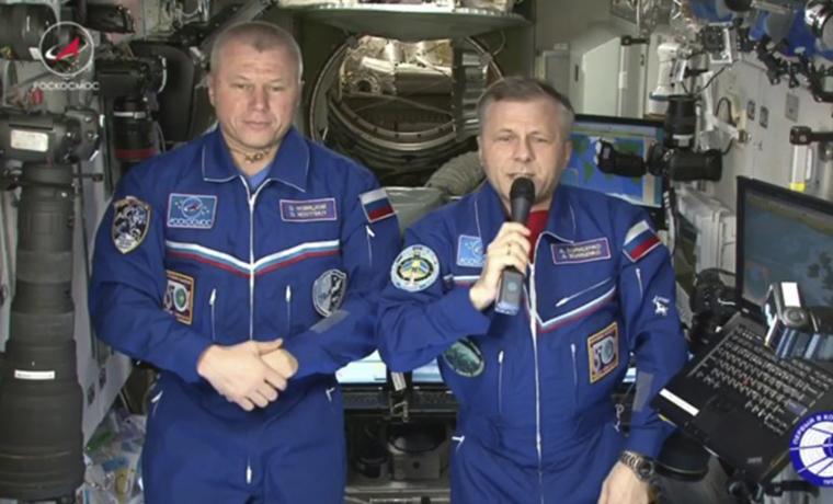 Российские космонавты поздравили женщин с 8 Марта с борта МКС