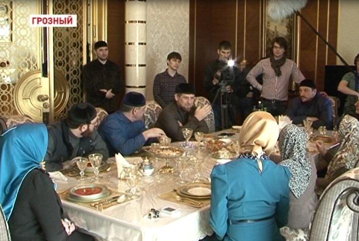Фонд имени Ахмата-Хаджи Кадырова окажет помощь в совершении хаджа сестрам Резахановым