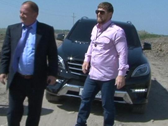 Рамзан Кадыров проверил ход строительства дороги в Гудермесском районе