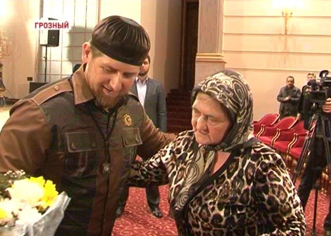 Рамзан Кадыров встретился с родственниками погибших при исполнении служебного долга сотрудников МВД по ЧР